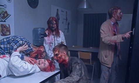 Im Labor treiben die Zombies ihr Unwesen