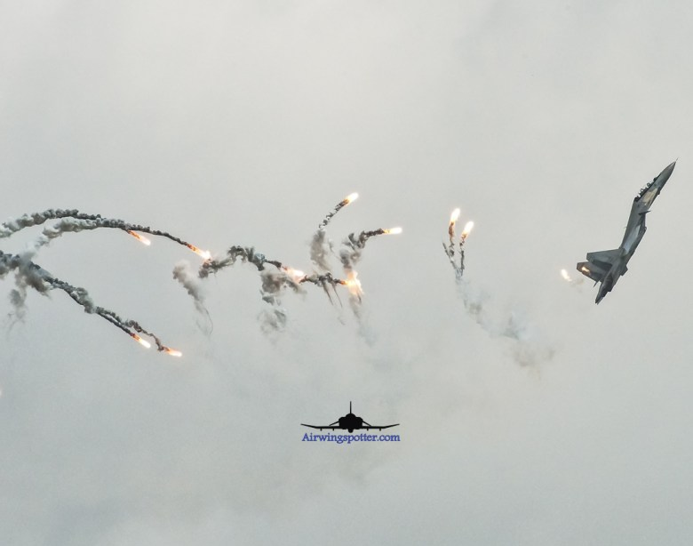 SU-30MKM aerial display