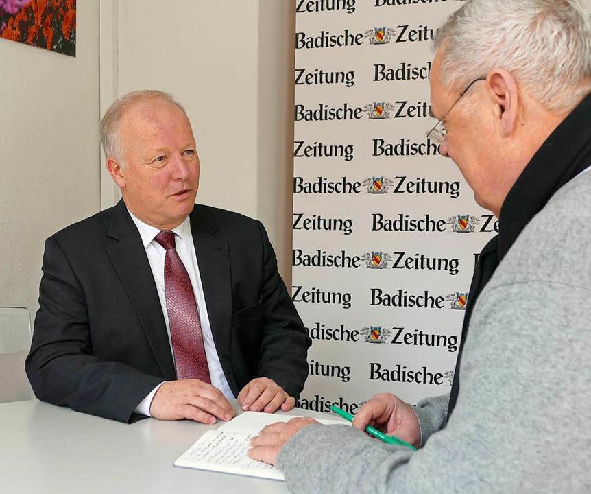 CDU-MdB Peter Weiß beim Redaktionsgespräch mit Manfred Dürbeck | Foto: Mark Alexander