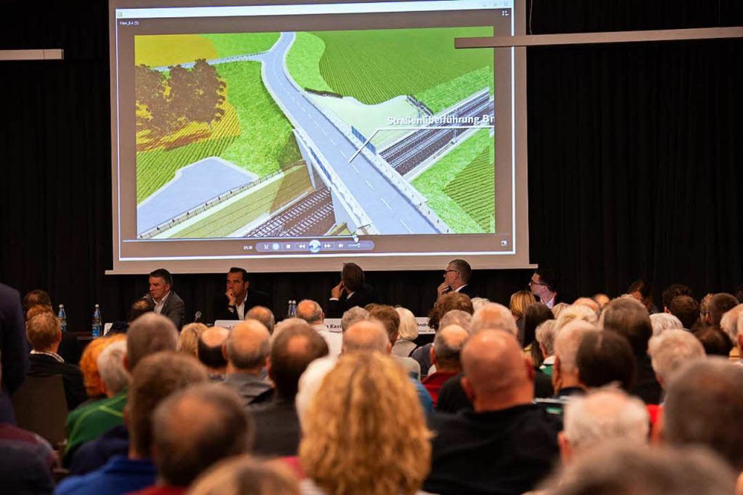 3D-Visualisierungen machten die Bahnpläne anschaulich.  | Foto: Volker Münch