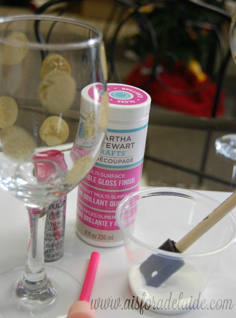 #WaterMadeExciting #ad Holiday Glitter Wine Glasses tutorial #paintingglass
