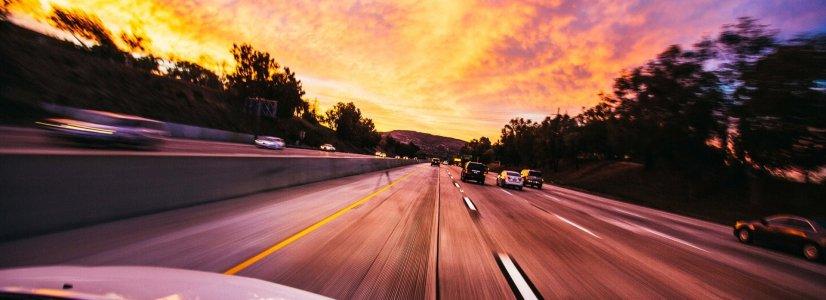 國道高速公路上飆車的時速多少不算超速?不會被拍照罰款?