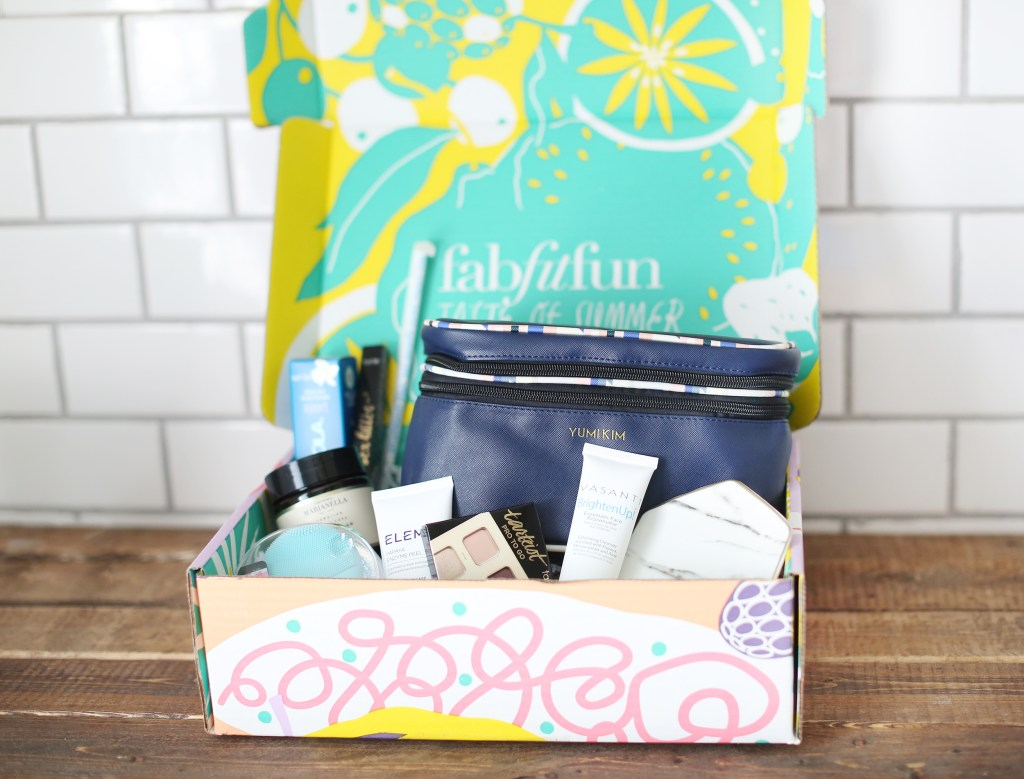 Review of the Amazing FabFitFun Summer Box- healthyaiblog.com