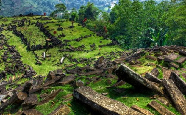 Piramida di Situs Gunung Padang