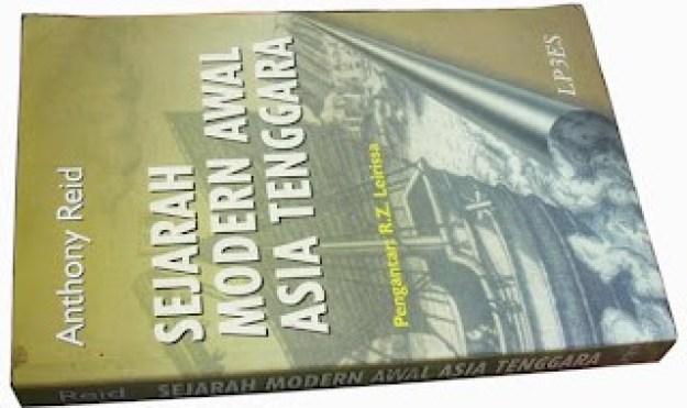 Anthony Reid (Sejarah Modern Awal Asia Tenggara, 2004)