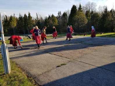 Rahvusvahelise tantsupäeva tähistamine Kõmsil / Foto: Kõmsi Rahvamaja