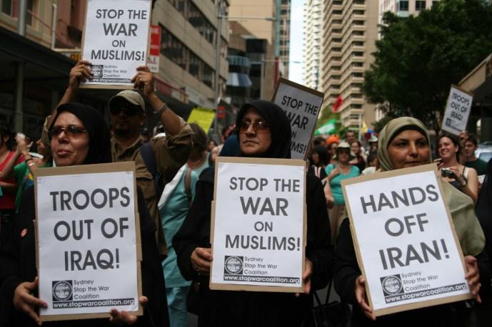 20060318_Australia_NSW_Sydney_AntiWarProtest_MuslimWomen