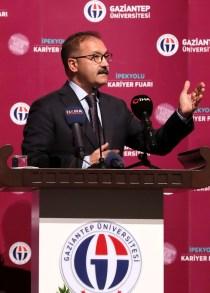 GAÜN'DE BÖLGENİN EN BÜYÜK KARİYER FUARI Prof.Dr .Ali Gür - Rektör Alişarlı, İpekyolu Kariyer Fuarına Katıldı