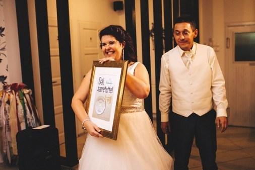 Rita párjától kapta ajándékba, de mindkettőjüknek meglepetés volt a róluk szóló dal.