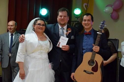Az esküvőn Márti és Tomi számára személyesen adtam elő a róluk készült Hubadúr-dalt. Azóta már Aranylemezen kapható.
