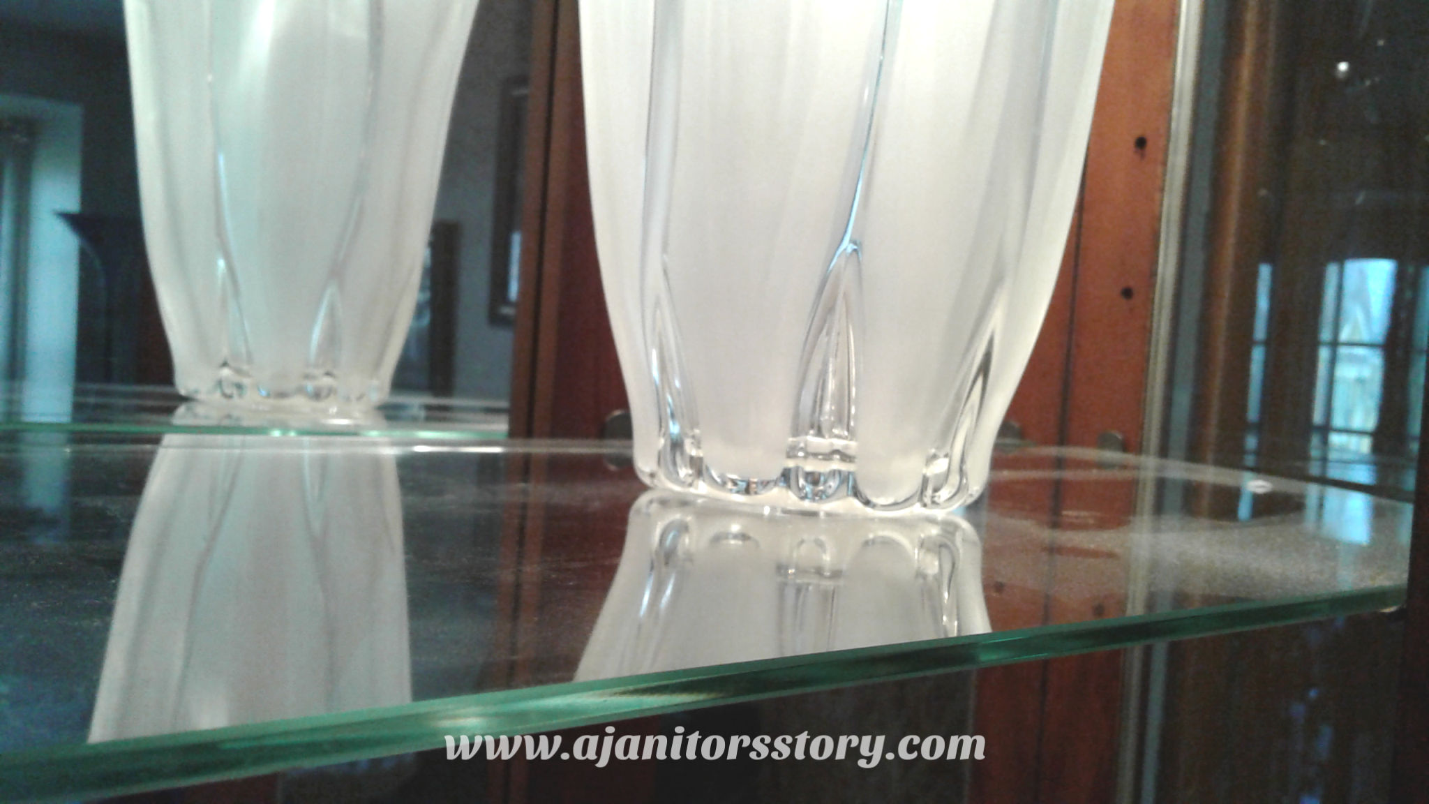how to clean glass curios
