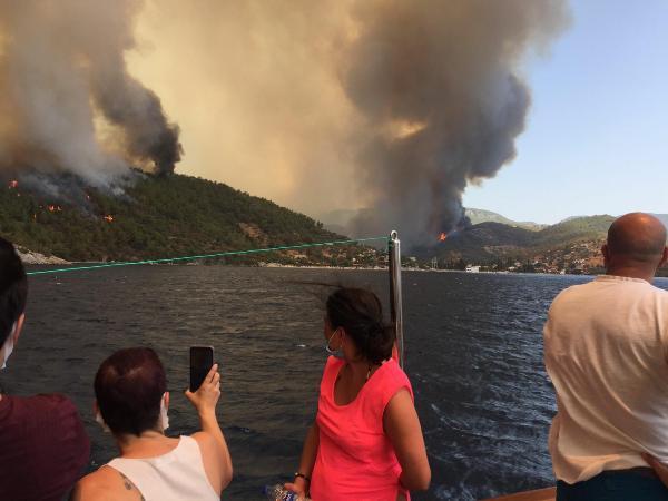 SON DAKİKA: Yangınlar devam ediyor mu, son durum nedir? AB'den açıklama.... 14
