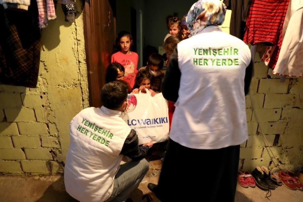 Yenişehir Belediyesinden 360 çocuğa giyim desteği