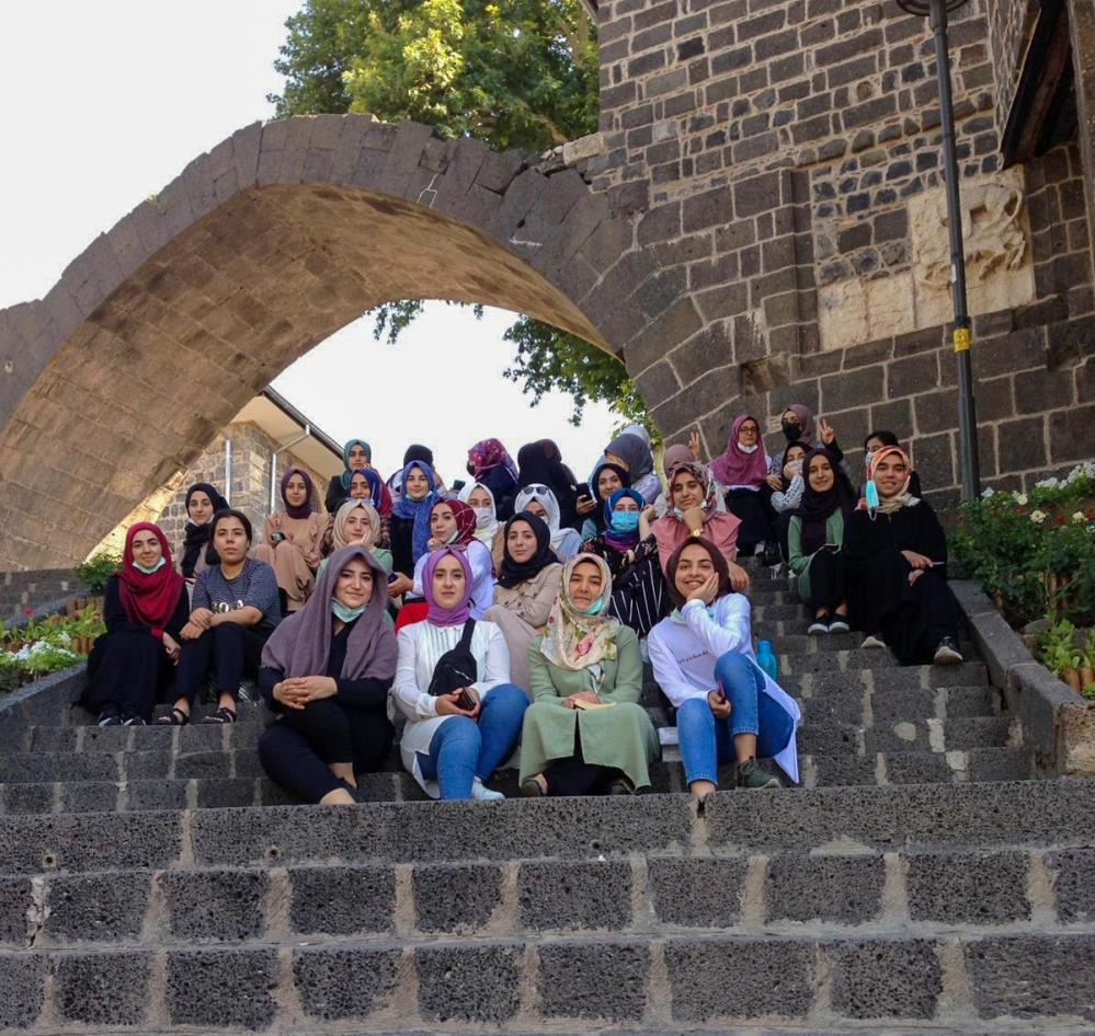 Diyarbakır'da Konukevi Kız Yurdu öğrencilerine moral gezisi