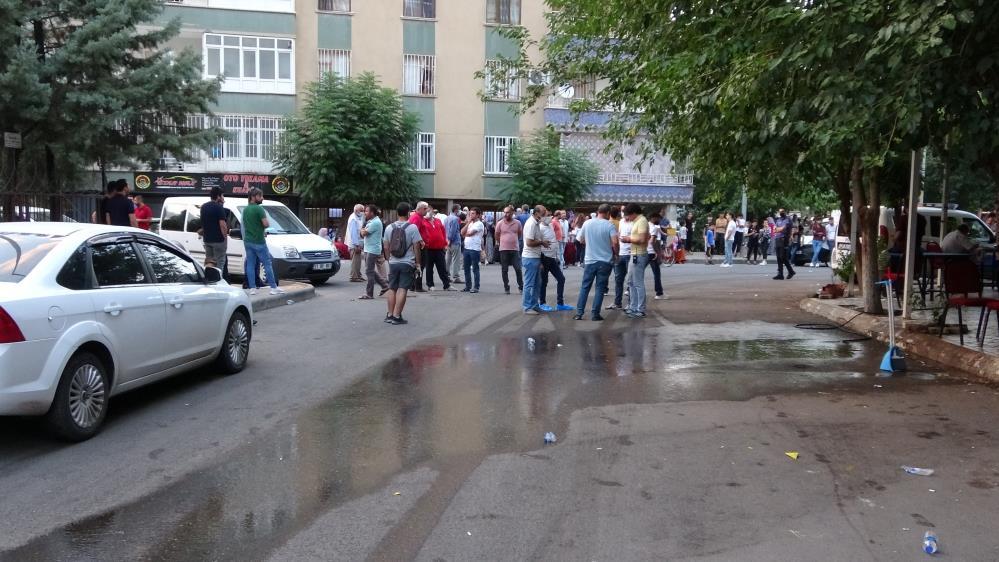 Diyarbakır'da Sokak ortasında bir kişi kurşuna dizildi