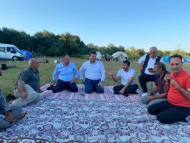 AK Parti'den tarım işçilerini ziyarette birlik ve beraberlik mesajı