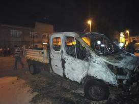 Sondakika: Diyarbakır'da belediyeye ait araç kundaklandı