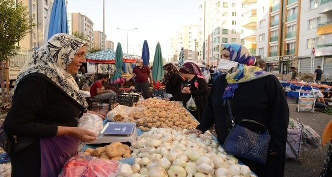 Kadın pazarcılara ziyaret