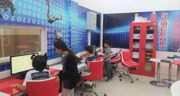 Bilgi Evi öğrencileri robotik kodlama öğreniyor