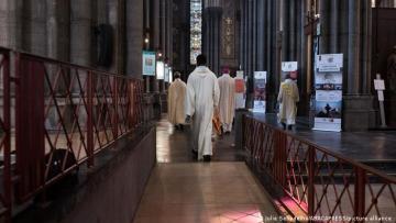 Fransa Katolik Kilisesi'nde 330 bin çocuk cinsel istismara uğradı