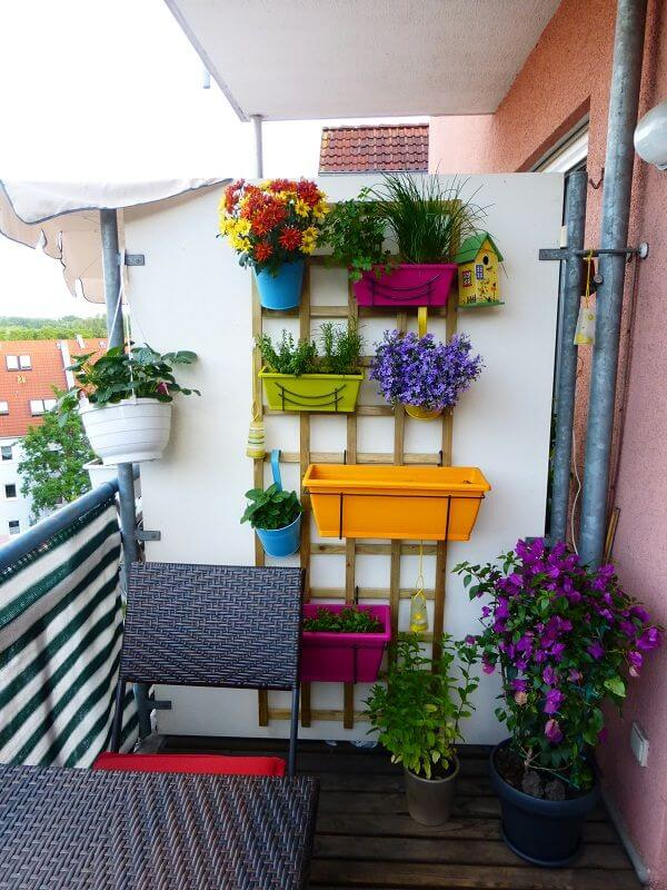 Decorative Pots for Vertical Garden