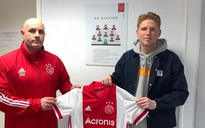 Ajax trekt Luuk Slegt aan