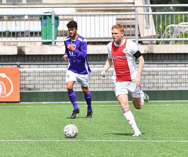 Winst Ajax in oefenduel tegen Hercules Zaandam (0-1)