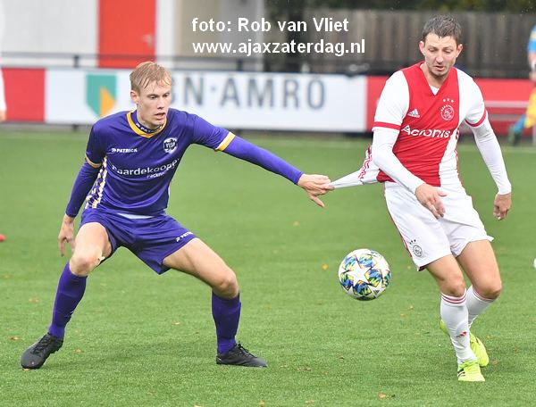 Ajax loot VVSB in beker