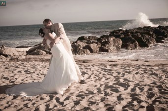 The last shot of the series, I finally caught a wave just as the bride and groom kisshttps://ajbarse.jux.com/1478579