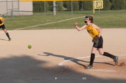 Softball Level 2 Vinton Shellsburg vs Benton Community 2014-6583