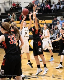 Vinton-Shellsburg vs West Delaware Varsity-9830