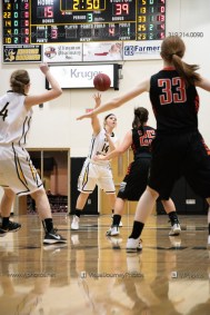 Vinton-Shellsburg vs West Delaware Varsity-9950