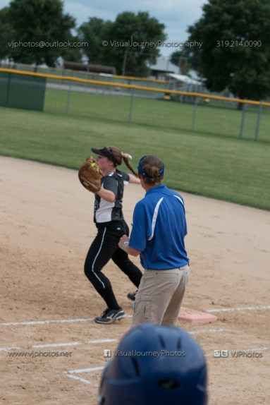 Softball Varsity Vinton-Shellsburg vs Clear Creek Amana 2014-5093