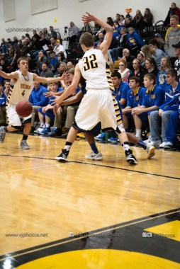 Varsity Basketball Vinton-Shellsburg vs Benton Community-9607