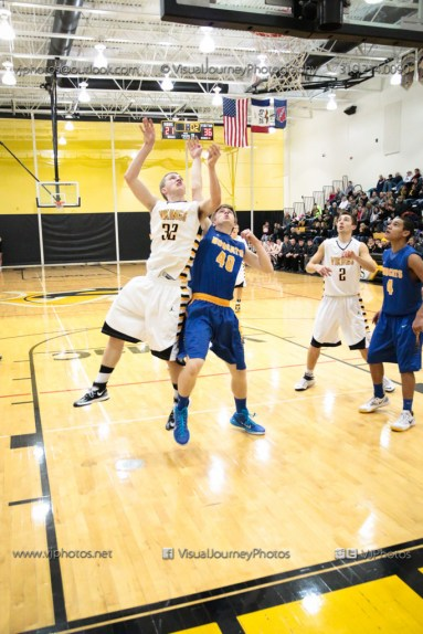 Varsity Basketball Vinton-Shellsburg vs Benton Community-9643