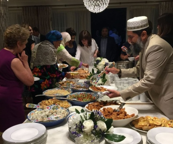 Chief Rabbi hosts interfaith fast-breaking