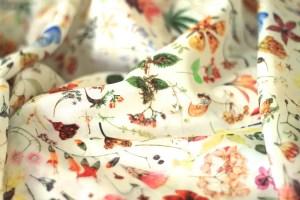 coudre_de_la_soie_silk_sewing-1050x700