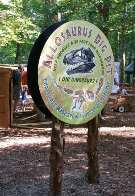 Dinosaur outdoor exhibit Virginia Living Museum