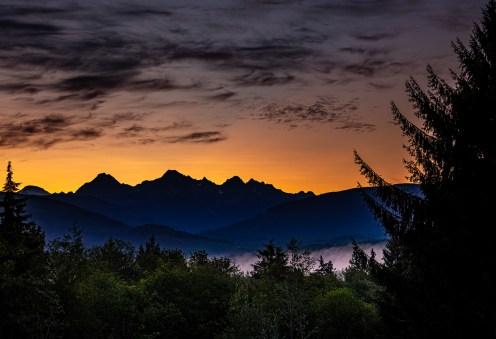 Sunrise over the North Cascades