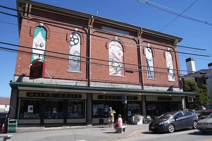 Maine Coast Bookstore has a red brick facade