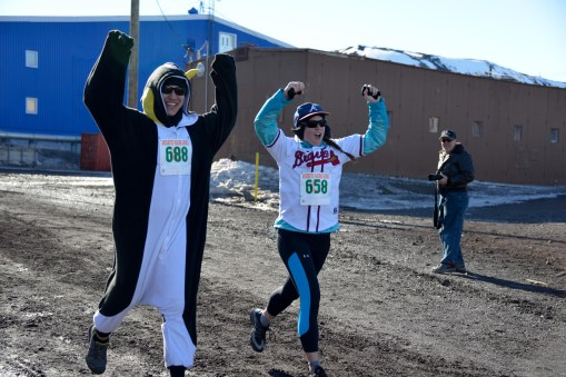 Crossing the finish line! Woot Woot! Antarctic Series Race #1: check! © R. Piuk