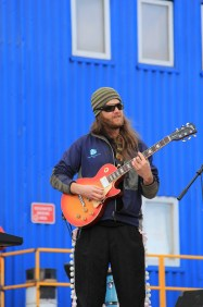 Dragon Tiger's lead Guitarist, Kevin Pettway. © A. Padilla