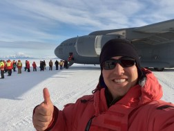 Arriving in Antarctica's Pegasus Runway for the 2015-2016 season, aboard a 2010 Boeing C-17A Globemaster III (USAF). © A. Padilla