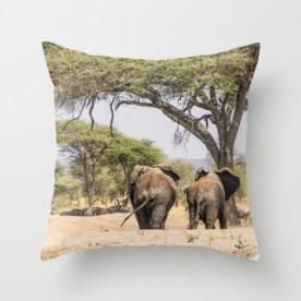 elephants-u3g-pillows
