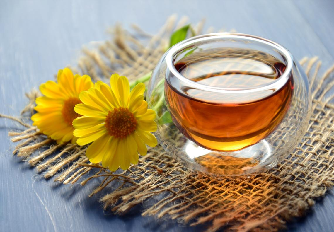 Sweeten Up Your Beauty Routine With Honey - AJ's Natural Beauty