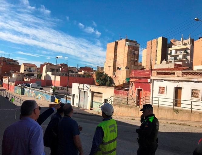 Comencen els treballs previs a l'enderrocament de l'edifici del passatge de la Torre 16