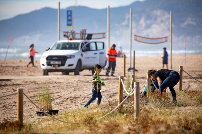 Badalona participa aquest diumenge en una jornada de sensibilització i protecció de les platges metropolitanes