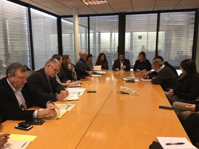 L'alcalde de Badalona s'ha reunit aquest dimarts amb responsables tècnics de diversos serveis municipals per avaluar els riscos locals davant dels casos de coronavirus apareguts a la ciutat