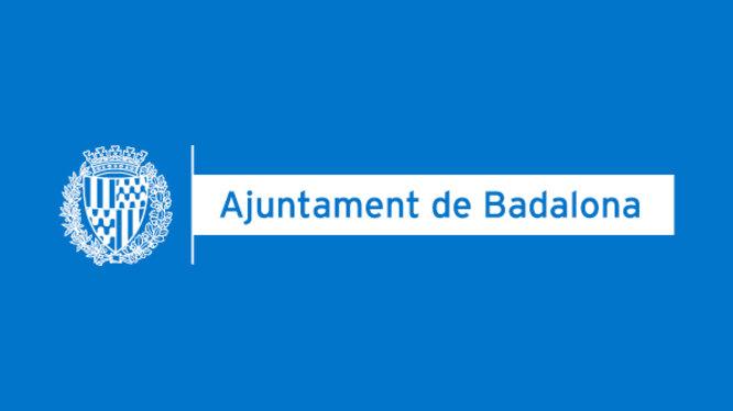 Es comencen a distribuir a Badalona les targetes moneder per a les beques menjador de la Generalitat