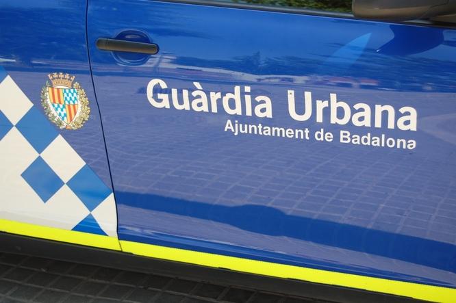 La Guàrdia Urbana de Badalona i la Policia Nacional intervenen 180 productes falsificats de diferents marques